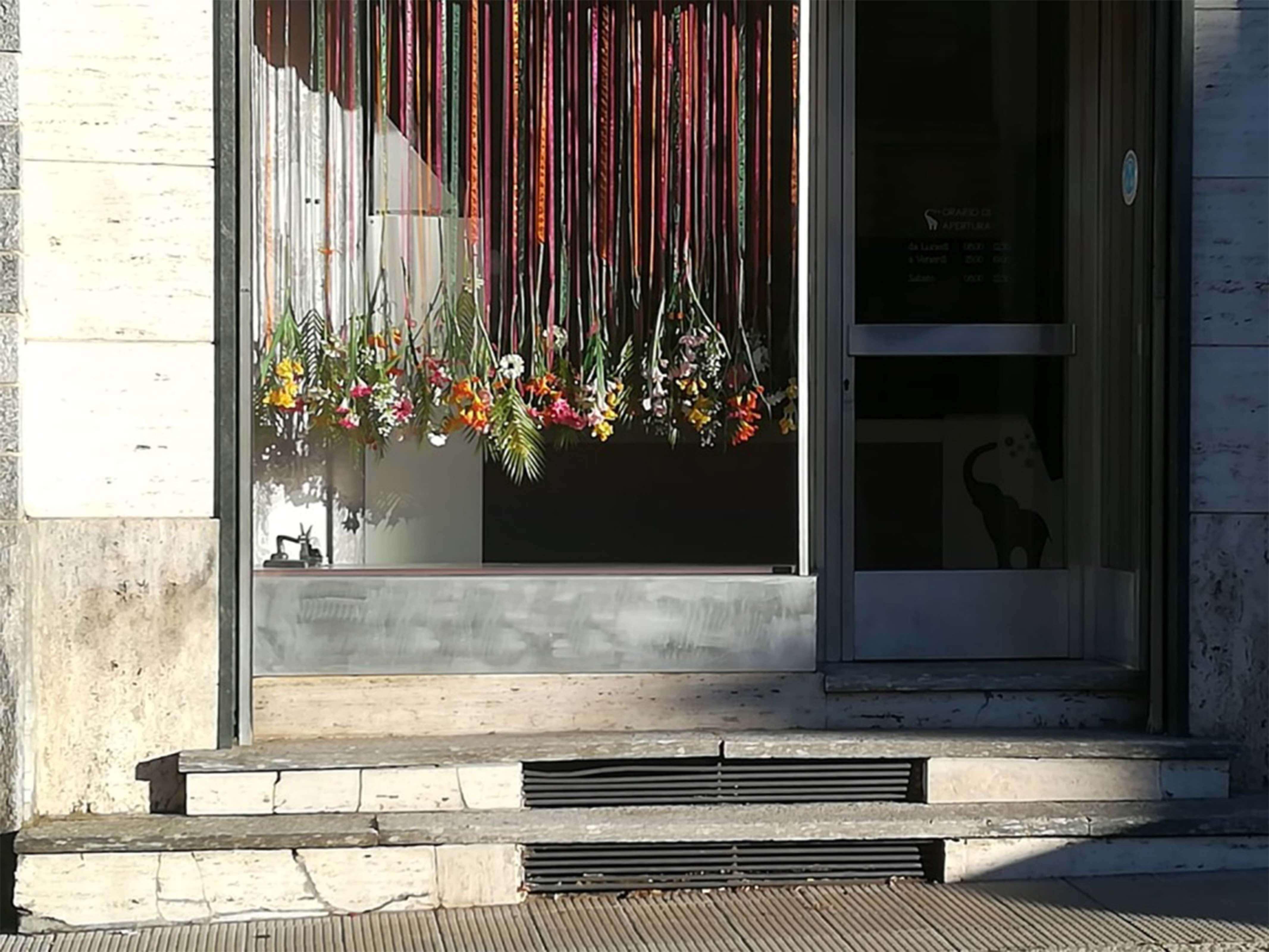 elisa_macchi_lavanderia_bombersec_dettaglio_fiori