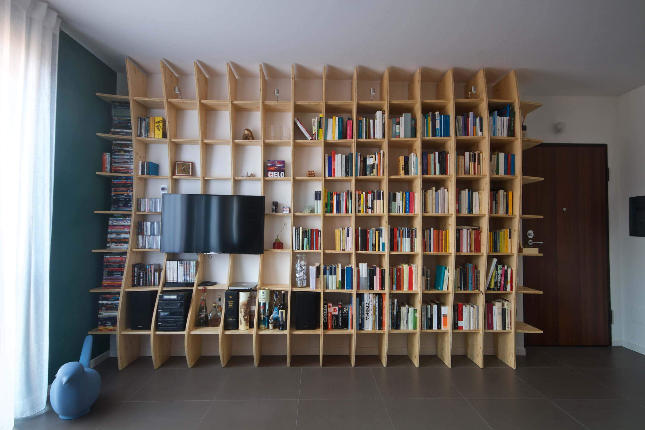 elisa_macchi_libreria_vp_vista_frontale
